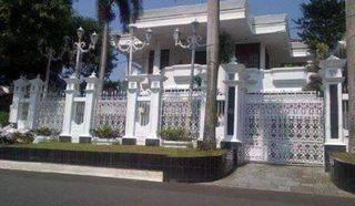HOUSE PONDOK INDAH LUAS 810SQM 4BR NEAR TO JIS USD 3.500 PERMONTH
