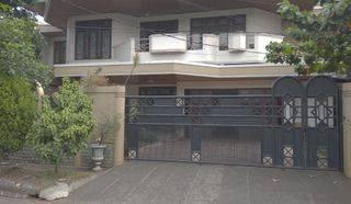 Rumah Mewah Klasik Terawat Adyaksa Lb. Bulus, Private S.Pool
