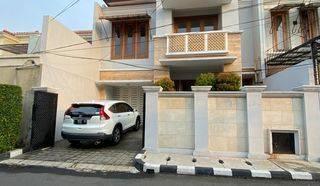 Rumah siap huni di Lestari indah Lebak Bulus  Jakarta Selatan