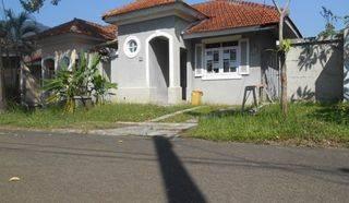 Rumah di hook tengah murah di sentul city