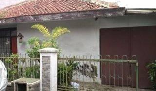 ANA*Rumah Tua uk 7,1x14,3m Lokasi Bagus di Kavling Polri Jelambar