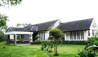 Villa Avina Cottage Lembang, Luas 13.250m2