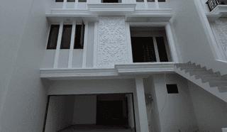 Rumah Mewah 3 Lantai Lokasi Premium Dalam Cluster Elite di Jagakarsa