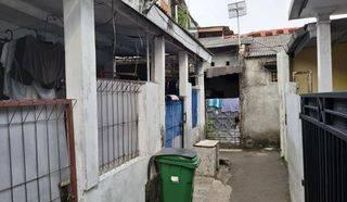 Rumah Kontrakan untuk Investasi yang menguntungkan di Belakang Apart Kalibata City.