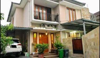Rumah di Lebak Bulus, Jakarta Selatan. Ada Kolam Renang