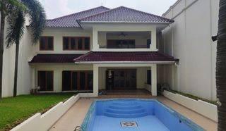 Rumah Mewah ada Kolam Renang di Cilandak Barat, Jakarta Selatan