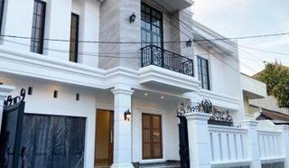 Wow.. ada rumah baru strategis di Cipete Kebayoran baru. (ga)
