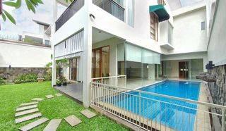 Rumah  dalam townhouse di Kemang Timur Jakarta Selatan