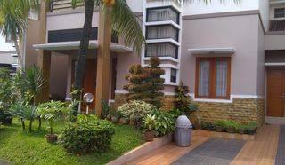 Rumah Modern Dengan Private Swimming Pool Dalam Cluster di Kebagusan