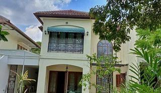 Rumah di Dukuh Patra Kuningan - Jakarta Selatan