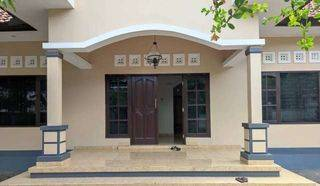 Rumah di Jaya Giri