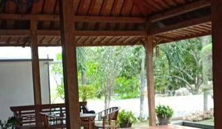 Rumah Mewah dengan Konsep Keraton di Sukajadi, Batam