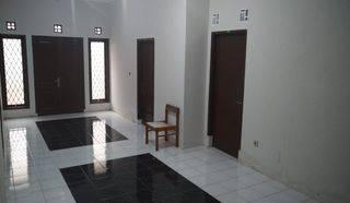 Rumah strategis hanya 50 meter dari jalan raya BKR dekat Buah batu