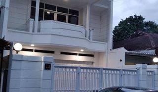 Jarang Ada!! Rumah Kantor Jl Suryalaya, dkt area bisnis Buahbatu