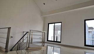 CHANDRA*rumah bagus 3 lantai semifurnish di komplek kavling polri