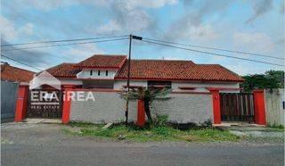 Rumah di Manahan Banjarsari