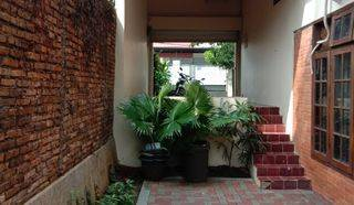 House Spanish style could be for boutique office, expatriate house Lebak Bulus area
