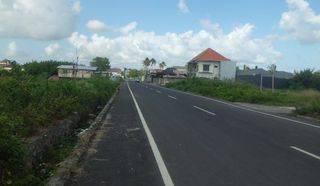 Tanah di Jl. dewi sri 4, Lebar jalan 15  meter