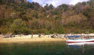 Fast Sale: Beachfront Land of 6 acres = 60,000 sqm in Selat Molo, Warloka, NTT