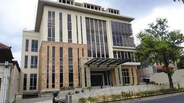 Gedung Baru Untuk Investasi Lokasi Komersial Kemang Raya