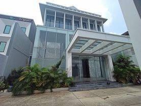 Gedung 4 Lantai, untuk Perkantoran, Ruang usaha di Jakarta Barat