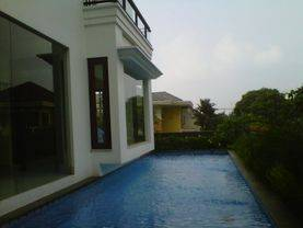 Rumah Mewah Dilingkungan Nyaman.di Pondok Indah