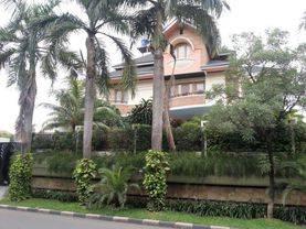 Rumah mewah dengan swimming Pool dan lokasi terbaik di Puri Indah ...