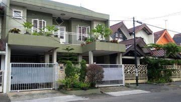 RUMAH KOS di main road sek 5 Bintaro Jaya