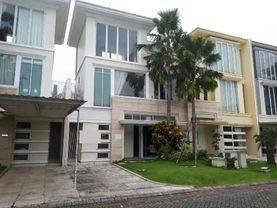 Rumah Ciamik, Full Furnish 3 Lantai