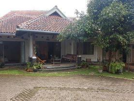 Dijual Rumah Besar,Luas dan Nyaman di Sariwangi