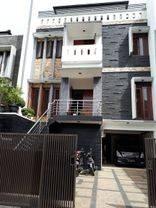 Rumah Puri Syailendra Dekat Universitas Maranatha