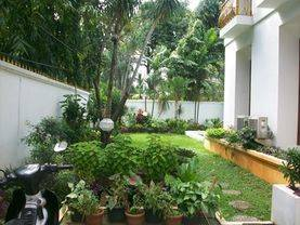 light house, large size room. Nice greeny garden at quiet area