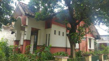 Rumah Hoek Villa Dago Pamulang Termurah, Asri LT 240 m2,, Akses Jalan 2 Mobil, Dekat Taman, dalam Cluster Eksklusif