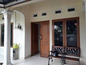 Rumah Cantik Turun Harga Terawat di Pesanggrahan Jakarta Selatan