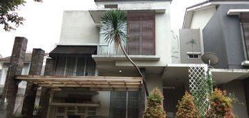 Rumah Cantik Bagus 2 Lantai di Kawasan Kebayoran Residence Sektor 7 Bintarojaya