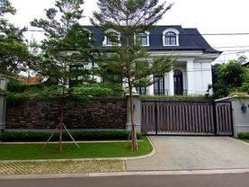 Kebayoran Baru, Rumah Baru dan Mewah Lingkungan Tenang
