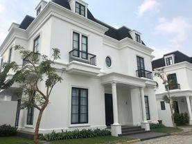 Beautiful house in compound in Cipete-Cilandak near JIS,French School,MRT Station