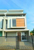 ANDRE TJHIA- 0819 9523 5999 - 10 Menit dari Mal Puri Indah Rumah Baru Free Kitchen Set