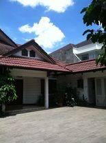 Rumah Hitung Tanah di Pejaten Barat, Jakarta Selatan ~ Swimming Pool