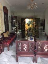 Rumah luas di hoek Puri Cinere