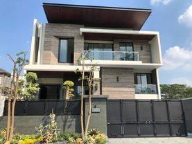 (OW).rumah minimalis modern high quality Bukit golf internasional GE2 nego tipis