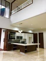 Rumah strategis, cantik, nyaman dan aman di Kemang, Jakarta Selatan, cocok untuk keluarga anda