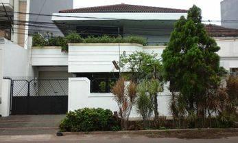 Rumah tinggal nyaman dan daerah elite Judul ditambah Turun harga dari 8,5 M menjadi 7,8M nego