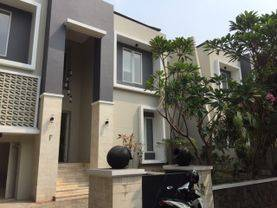 Brand new Compound House for lease at Kemang nice and modern house