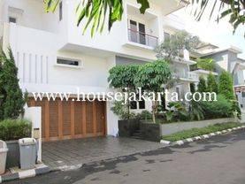 House for RENT SEWA LEASE at PEJATEN near to KEMANG nice and modern house JAKARTA SELATAN 08176881555