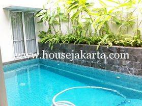 House for lease at kuningan nice and modern house