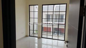 Rumah di Green Village , Uk, 6x10,5 m2 , Hoek Taman , SHM , Hrg: 1.18M , Termurah , Cipondoh, Tangerang