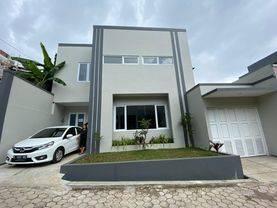 Rumah baru 1 M an di SETIABUDI, dekat tempat wisata, sekolah, kampus