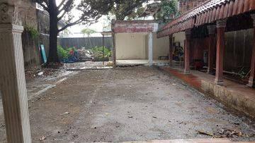 Rumah Tua Hitung Tanah Di Daerah Exclusive Mampang Prapatan Jakarta Selatan