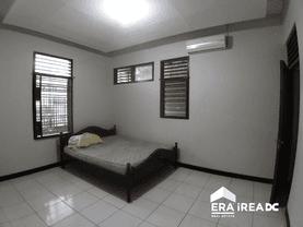 Rumah tengah kota siap pakai di Pleburan Semarang Tengah